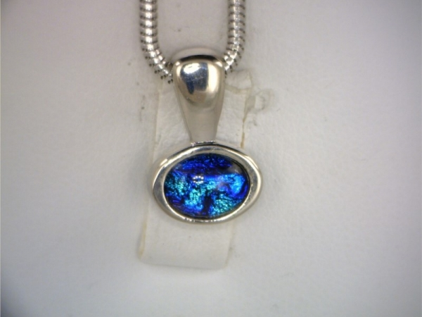 Pendant with chain by Sarah